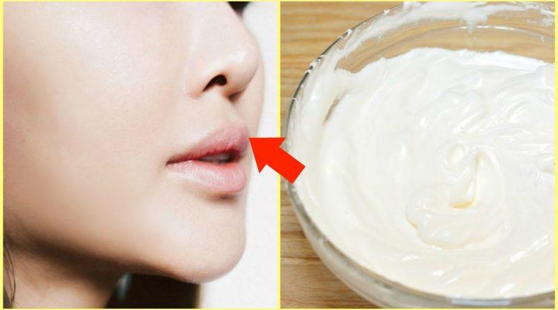 Aplica crema de bicarbonato en tu rostro