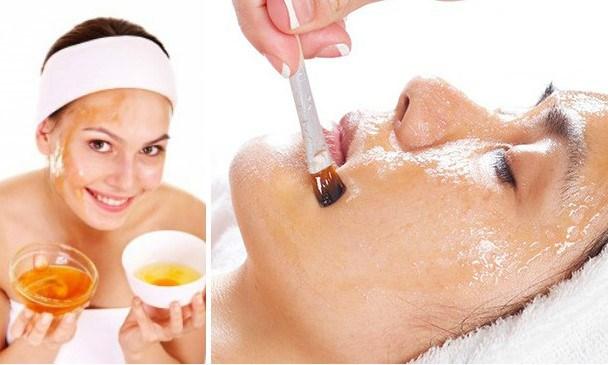 Mezcla un huevo con aceite de oliva y aplícalo en tu rostro